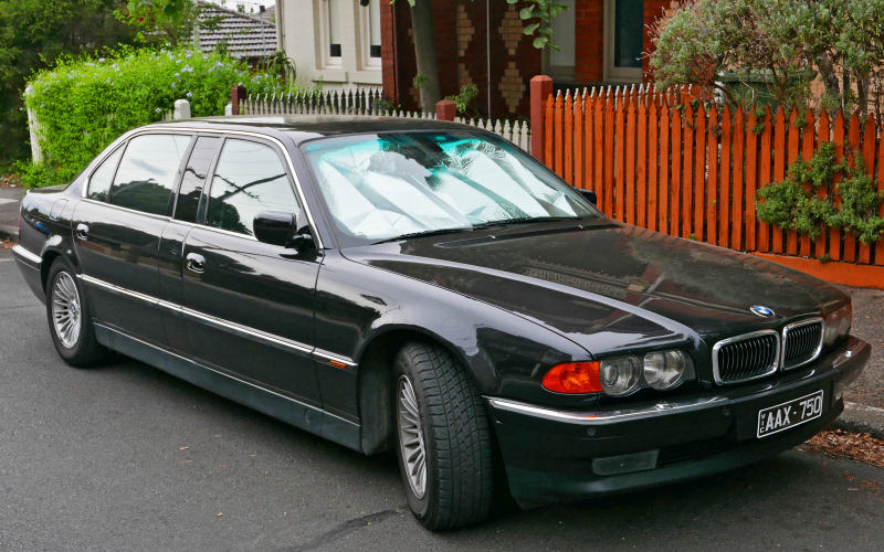 2001 BMW E38 Owners Manual