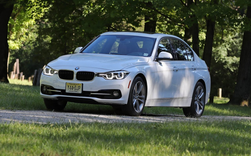 BMW 330i Owners Manual 2017