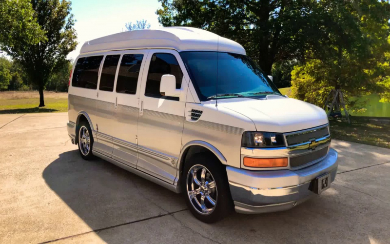 2010 Chevy Express Van Owners Manual